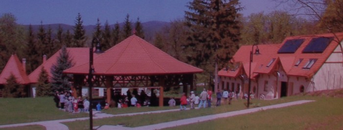 Felsőtárkány Nyugati Kapu Látogató-és Oktatóközpontja